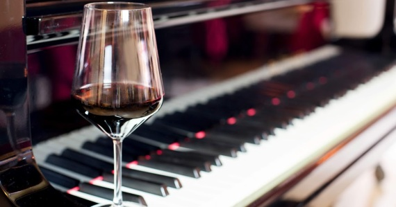 WINE_PIANO_SYNODHPOROI